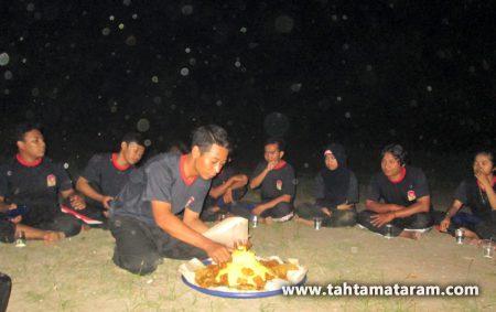 Tahta Mataram Ranting Manyar Gresik Memperingati HUT Padepokan Lindu Aji