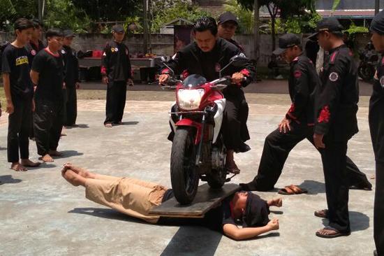 Tradisi Kenaikan Tingkat Tahta Mataram Tangerang